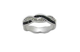 inel din argint cu cristale negre