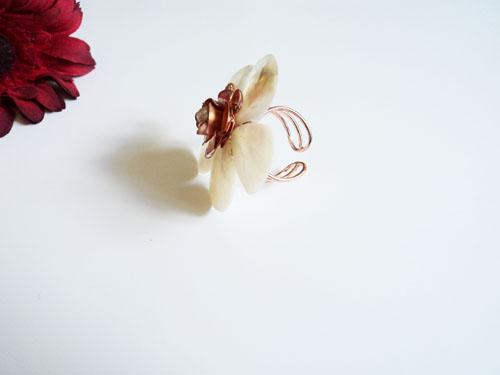 inel floare din sidef