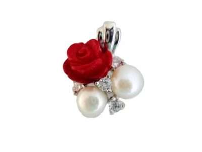 Pandantiv din argint cu trandafir rosu