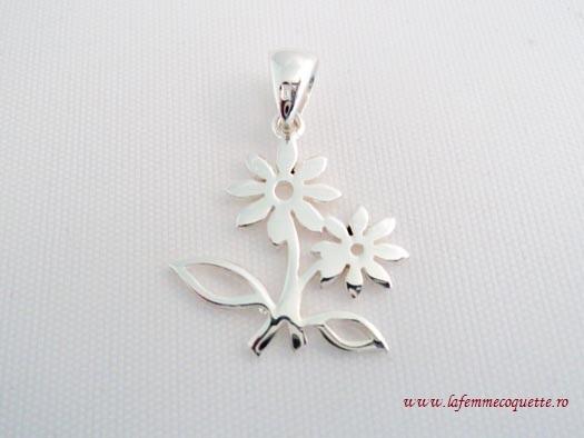 Pandantiv din argint cu flori