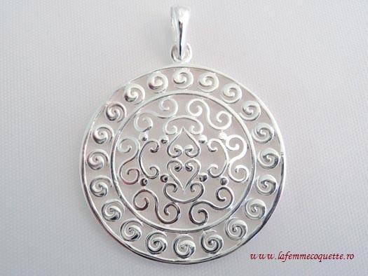 Pandantiv din argint cu ornamente orientale