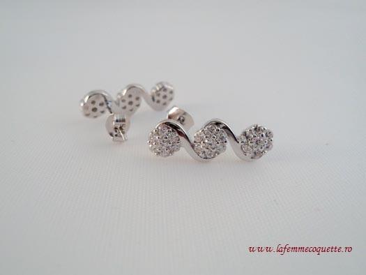 Cercei din argint cu flori din zircon alb