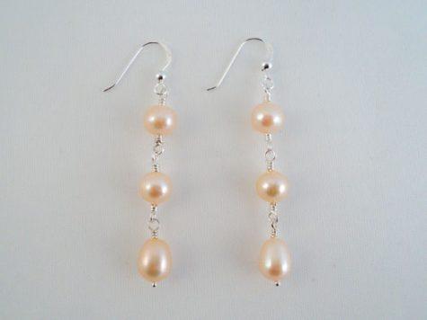 Cercei lungi din argint si perle roz