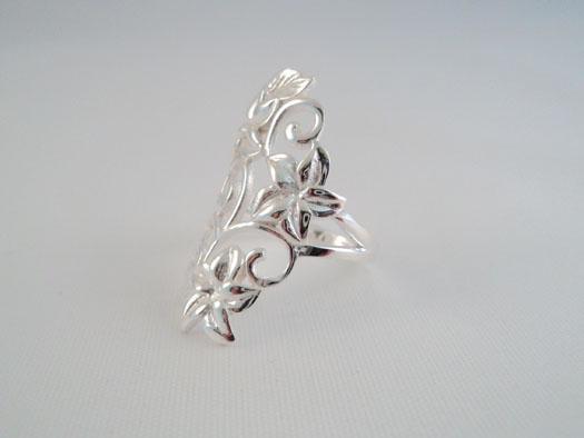inel din argint cu flori