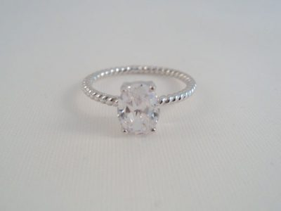 Inel de logodna din argint cu piatra alba