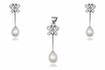 Set fluturi si perle
