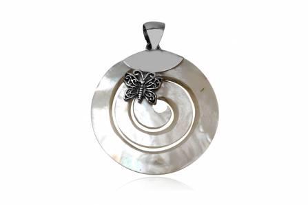 medalion din sidef alb si fluturas