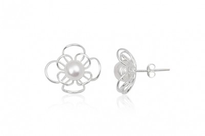 Cercei flori cu perla alba si argint