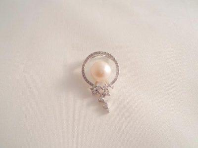 Pandantiv din argint cu perla alba