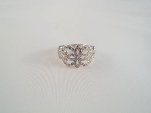 inel din argint cu zirconii albe