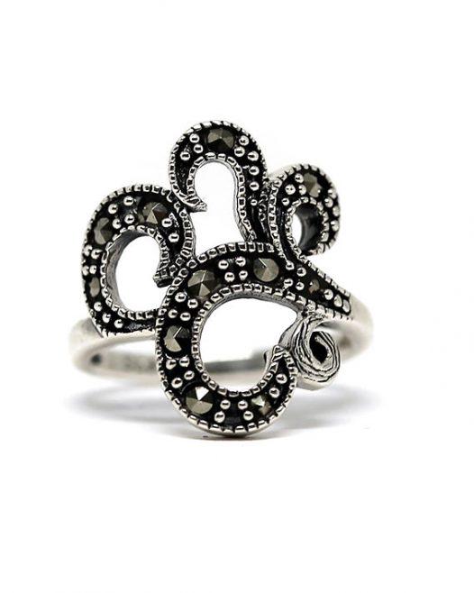 inel cu model abstract argint