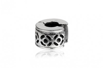 Pandantiv din argint, element despartitor pentru bratari