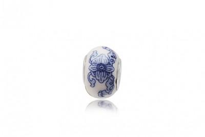 Pandantiv din ceramica in stil olandez