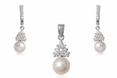 Set cu perle si zirconia albe din argint