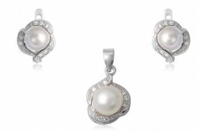 Set din argint cu perle si zirconii albe