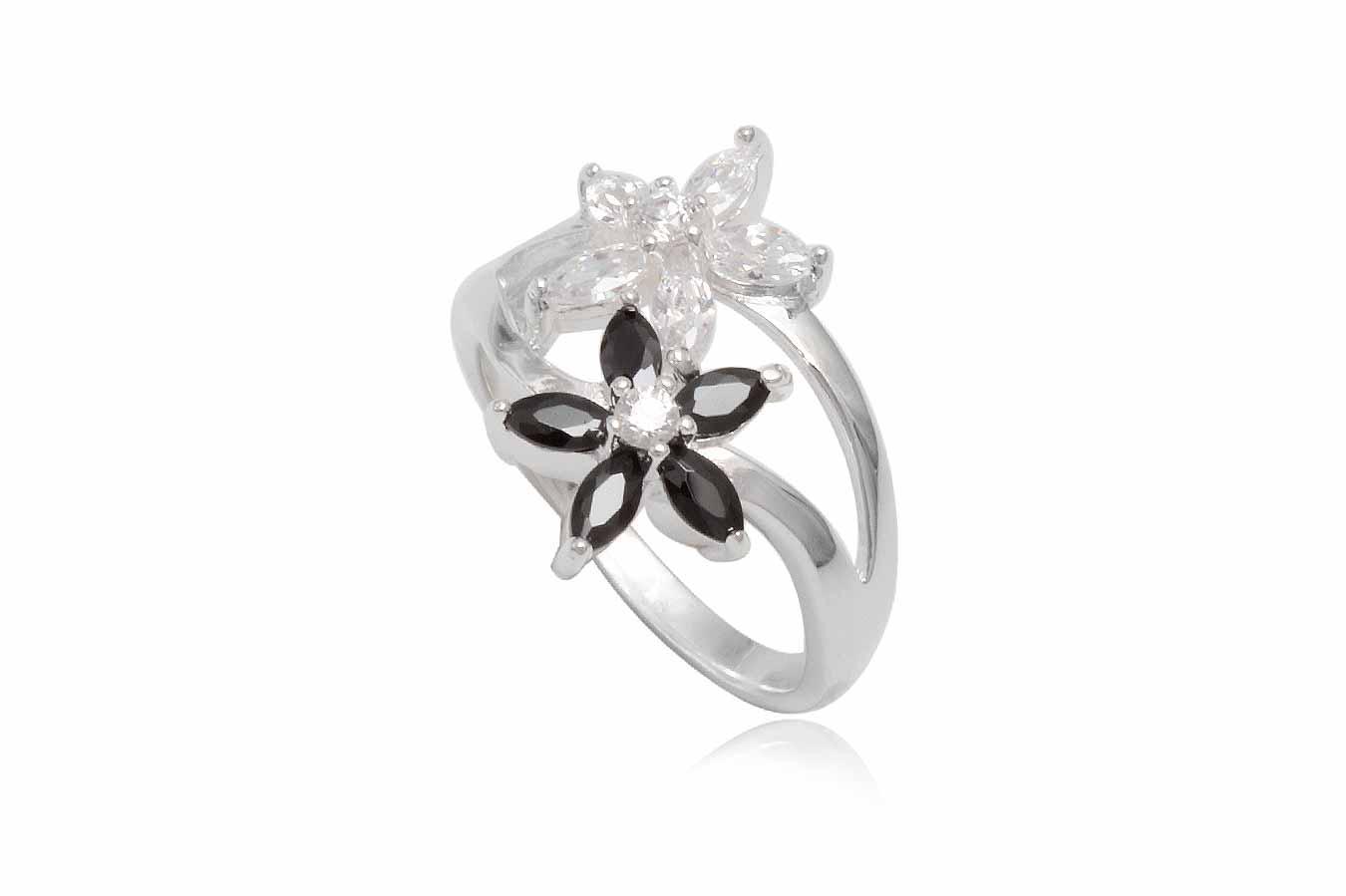 inel din argint cu flori in alb si negru