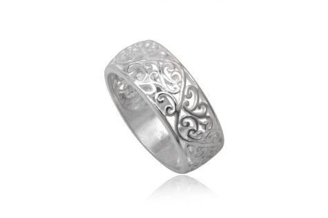 inel din argint cu model delicat