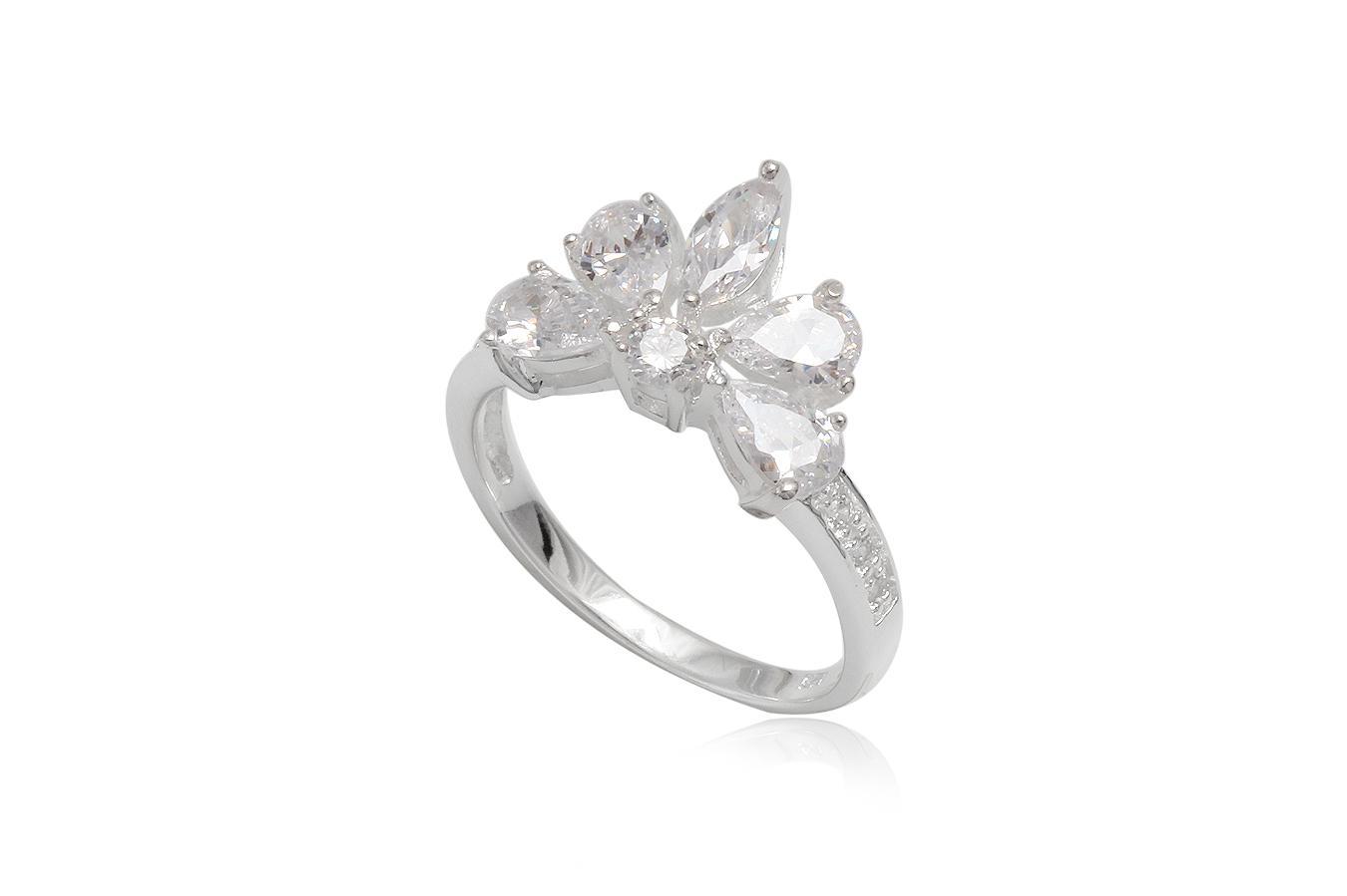 inel din argint cu cinci petale