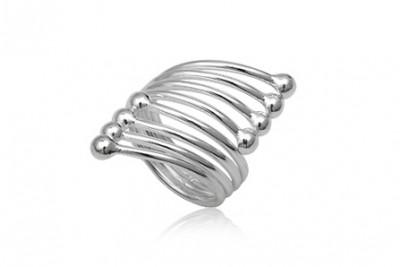 Inel din argint cu model special cu bobite