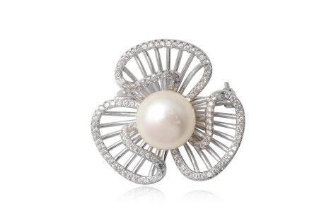 brosa din argint cu perla