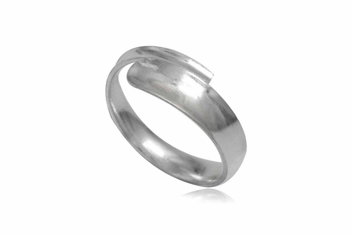 inel simplu din argint tip verigheta