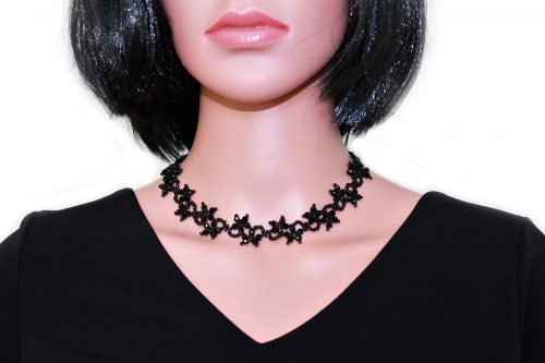 colier flori cristale negre