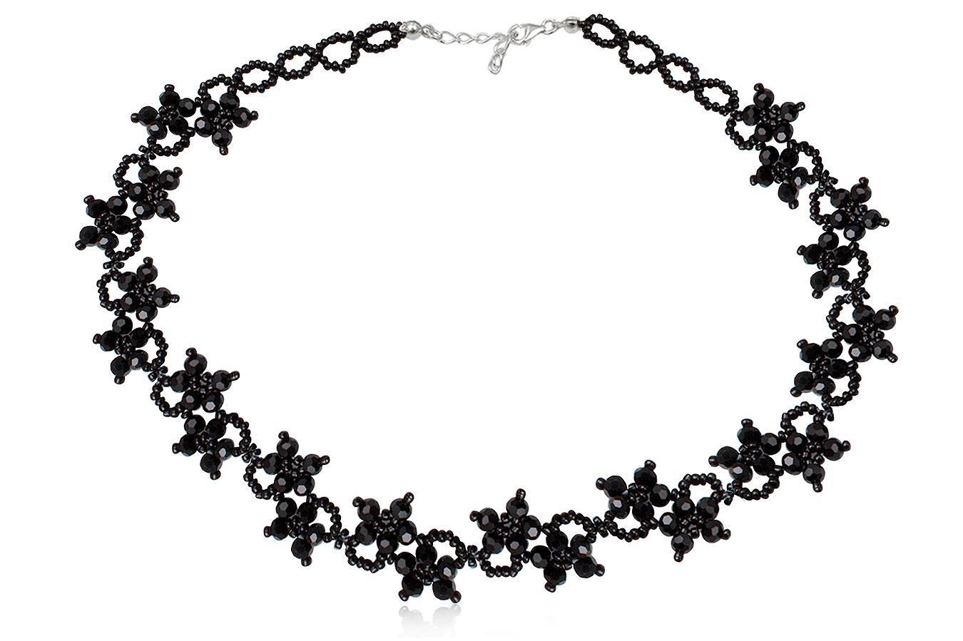 colier cu flori din cristale negre