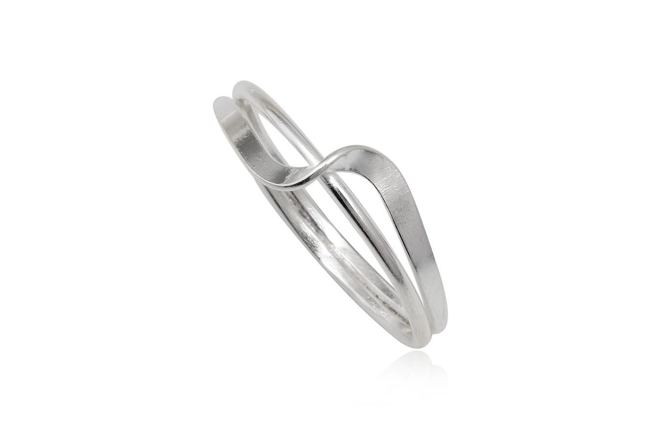 inel din argint model rasucit
