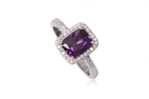 inel de logodna cu piatra violet
