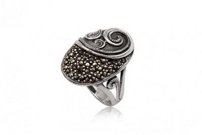 Inel din argint cu marcasite si aspect vintage