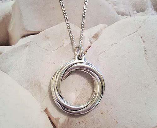 pandantiv cerc rasucit din argint