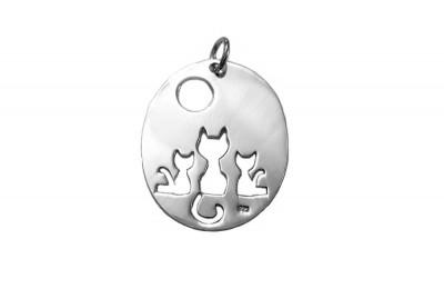 Pandantiv oval cu pisicute din argint