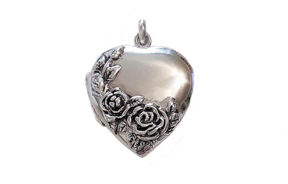 pandantiv caseta inima cu trandafiri