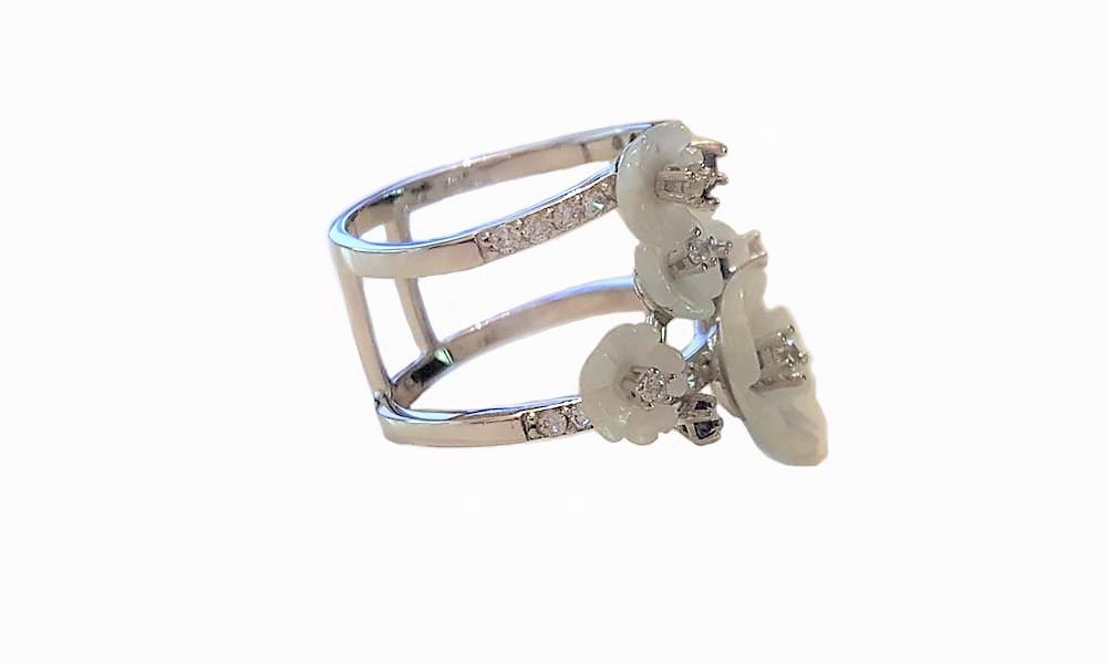 inel argint cu flori albe si tanzanit