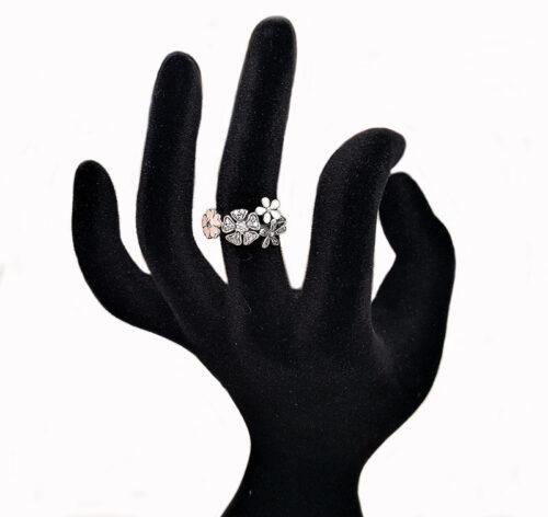 inel cu floricele din email