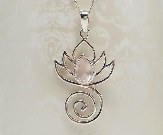 pandantiv argint si cuart roz