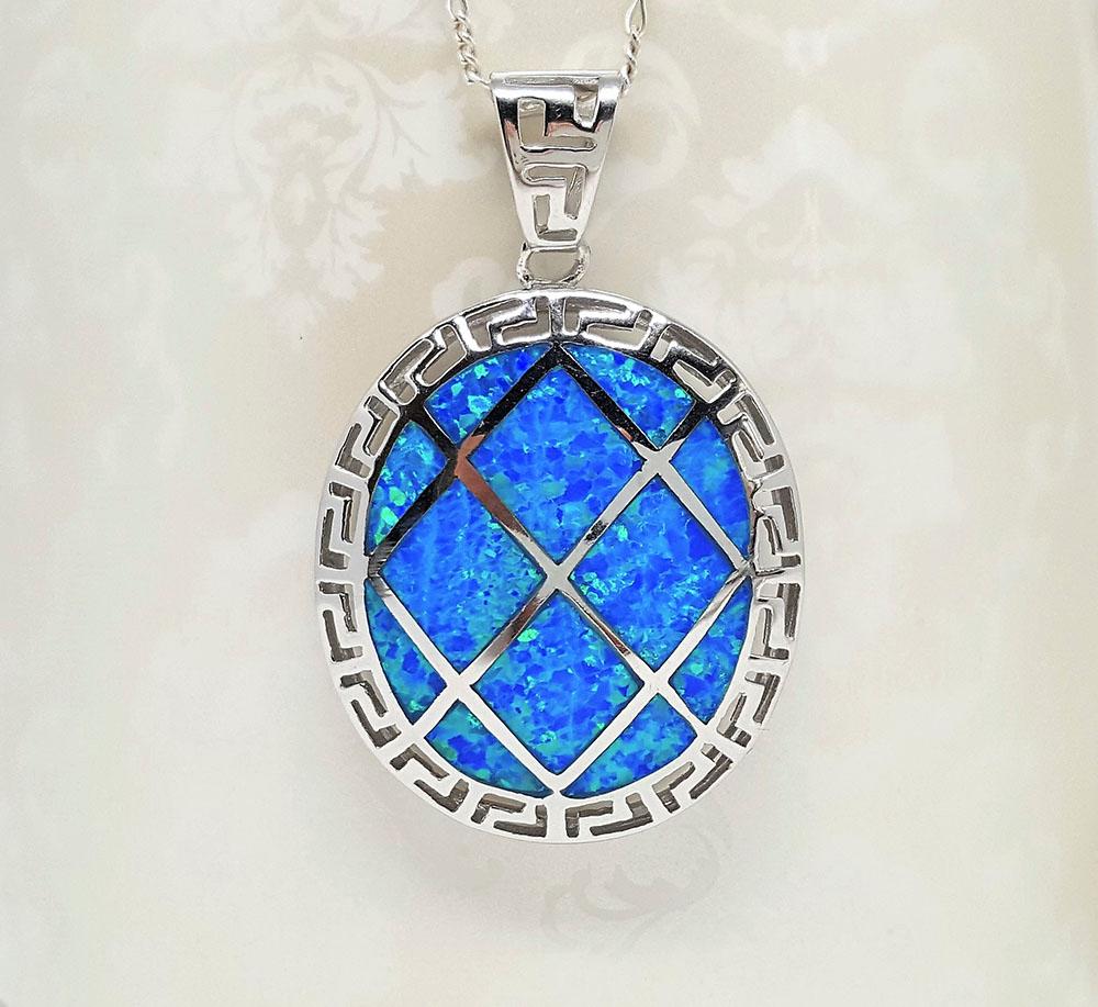 pandantiv cu opal albastru