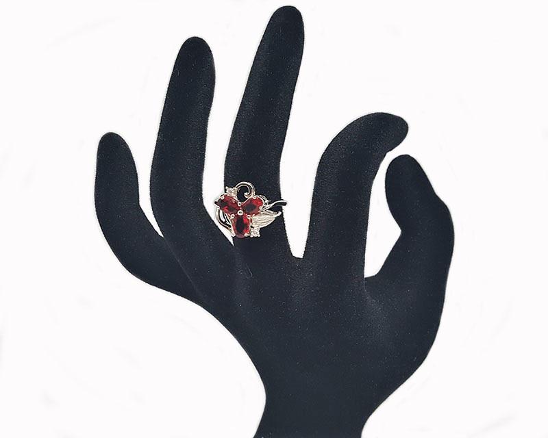 inel cu floare rosie lafemmecoquette