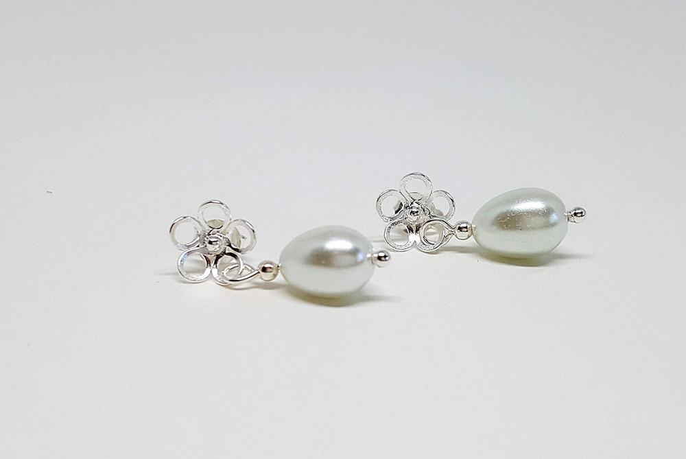 cercei mireasa cu flori si perle
