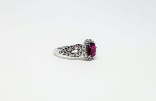 inel de logodna argint si rubin