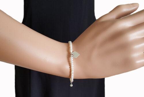 bratara finuta din perle albe si argint