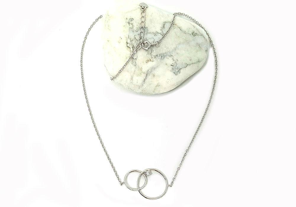 colier din argint cu cerculete