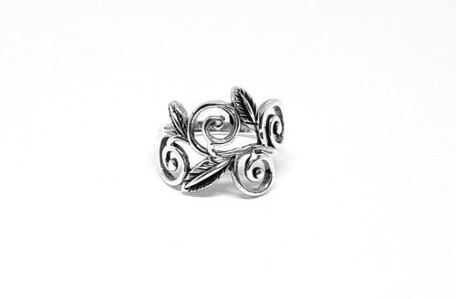 inel superb cu frunze din argint