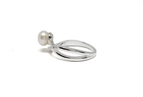 inel din argint cu perla si zirconii
