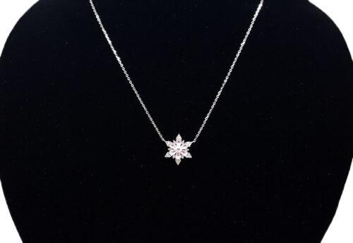 colier cu motiv floral argint