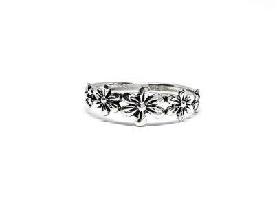 inel finut cu flori din argint