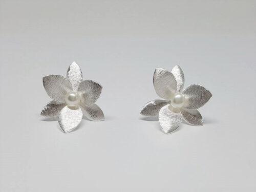 cercei flori de matase
