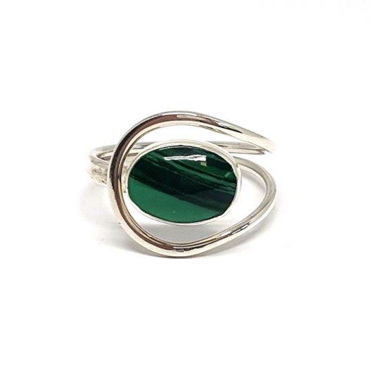 inel din argint cu malachit