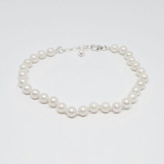 Bratara delicata cu perle albe