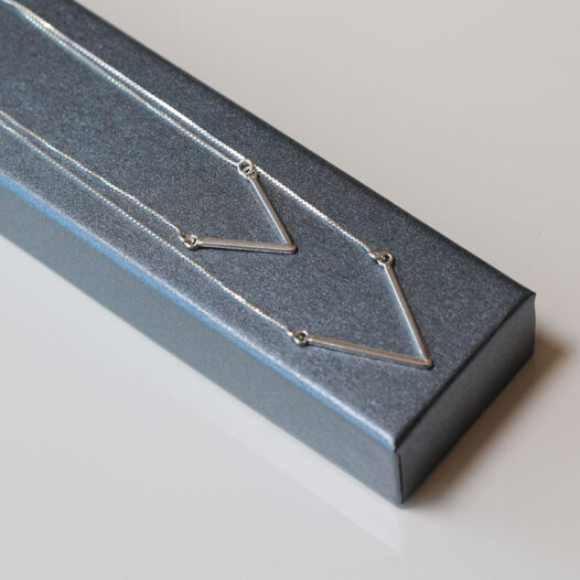 colier argint design geometric